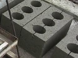 Что такое шлакоблок? Почему этот строительный материал не имеет аналогов, прост в изготовлении и очень популярен в строительстве. Особенности производства шлакоблоков.